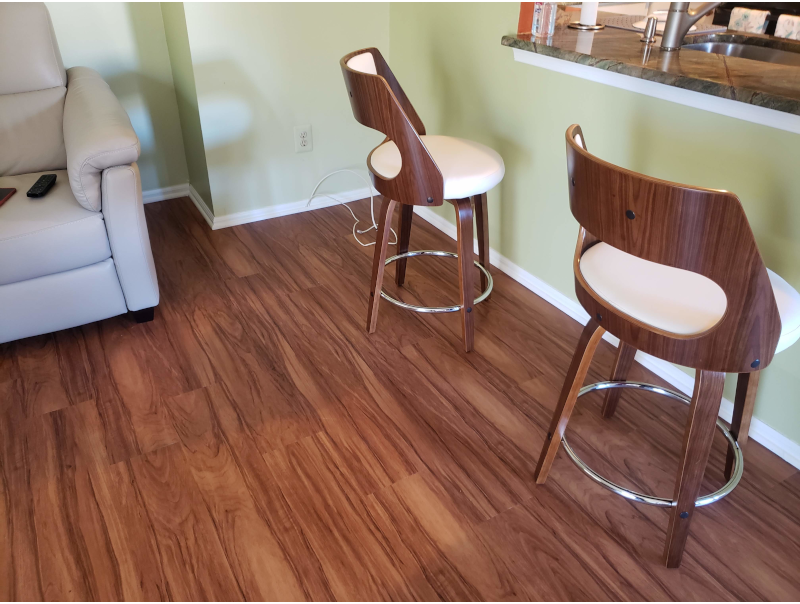 Vinyl Planks, color Caramel Walnut in Dining Area